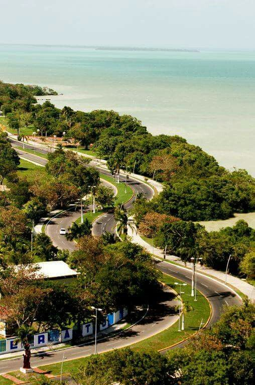 Un Paseo En Bici Por El Boulevard De Chetumal Quintana Roo Chetumal Lugares Para Visitar Ciudades