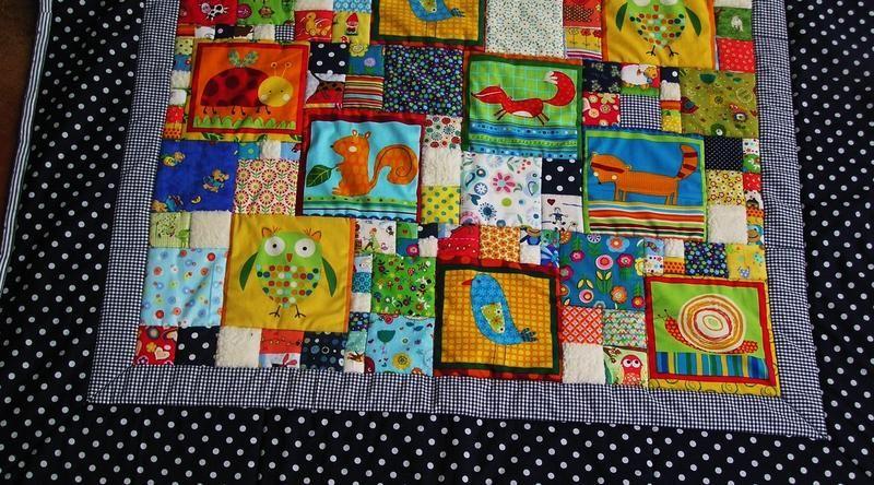 patchworkdecke mit waldtiermotiven baby krabbeldecke patchworkdecke und krabbeldecke. Black Bedroom Furniture Sets. Home Design Ideas