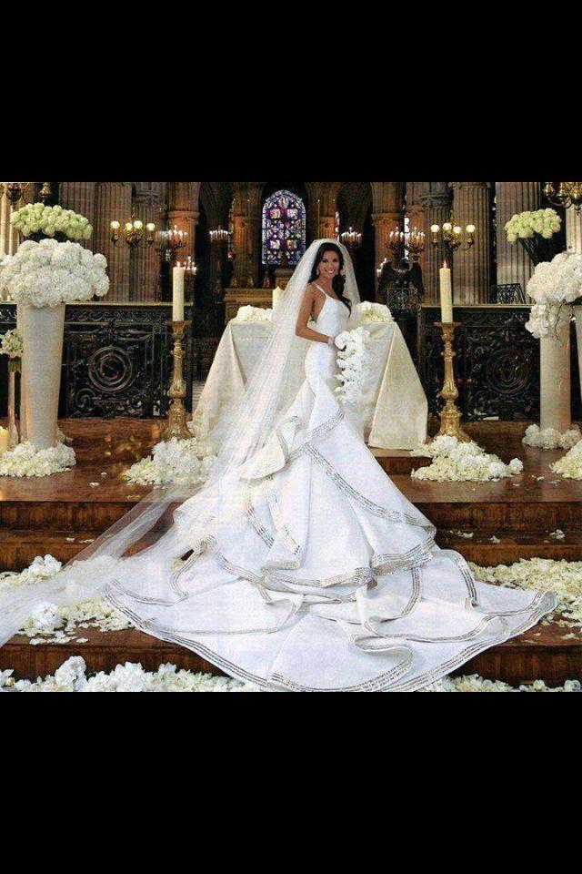 Super Long Train Wedding Dresses