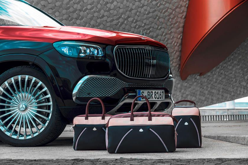 Mercedes Maybach Gls 600 Vs Rolls Royce Cullinan How Do They Compare Which Bespoke And Opulent Suv Should You Swan About In Mercedes Maybach Maybach Suv