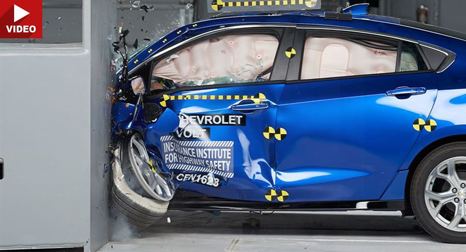 2017 Chevrolet Volt Awarded With Top Honors By IIHS