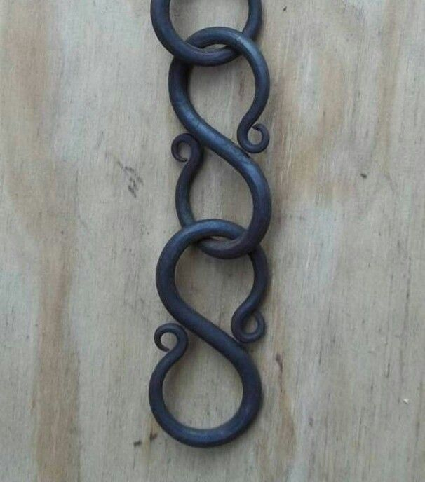 Blacksmith S Hook Chain With Images Blacksmithing Metal
