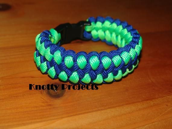 Black with Dark Blue Line Strong Point Enterprises Thin Blue Line Law Enforcement Support Paracord Survival Bracelet