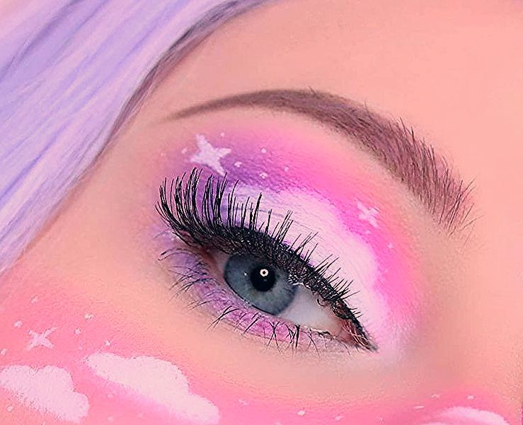 Photo of 21 Abstract Makeup Looks That Are Totally Selfie-Worthy   I AM & CO®