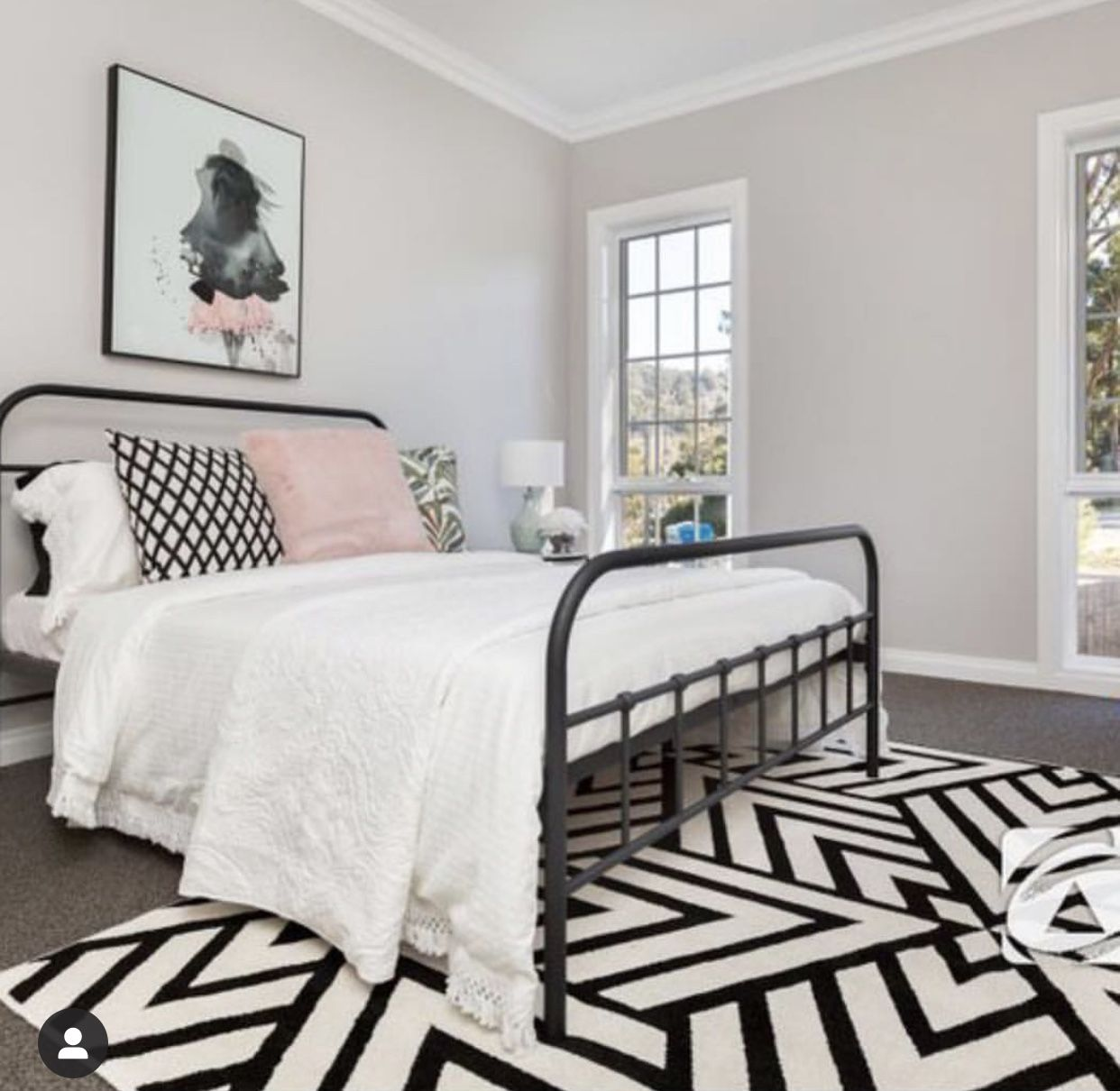 Pink and grey bedroom with black white rug #guest bed room ...