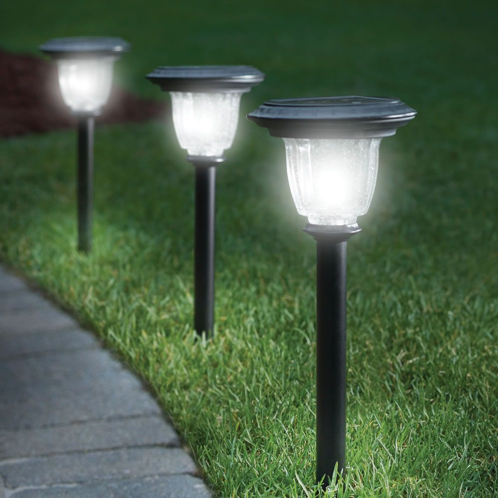 The Best Solar Walkway Light Hammacher Schlemmer