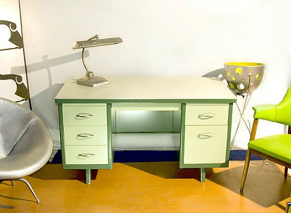 great idea for old metal desk available at easy my style rh pinterest com