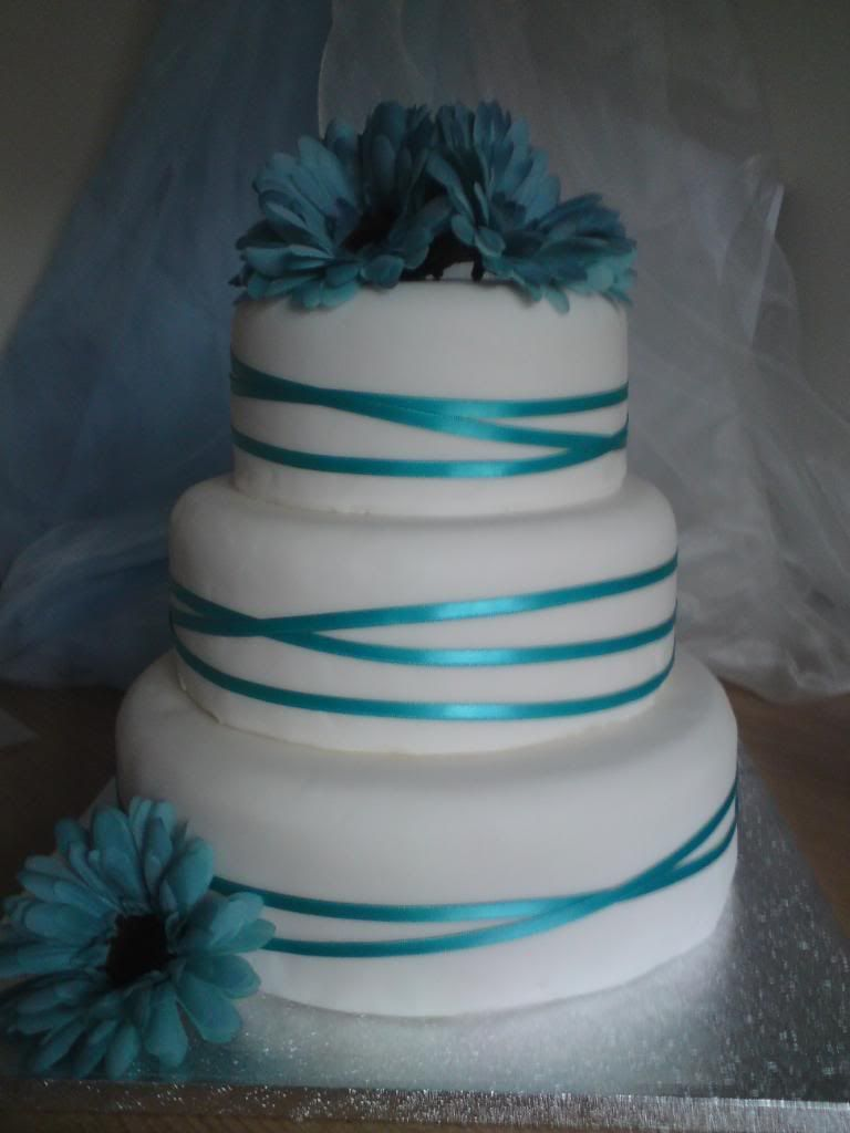 wedding cake aqua blue aqua wedding cake wedding ideas for brides grooms 21750