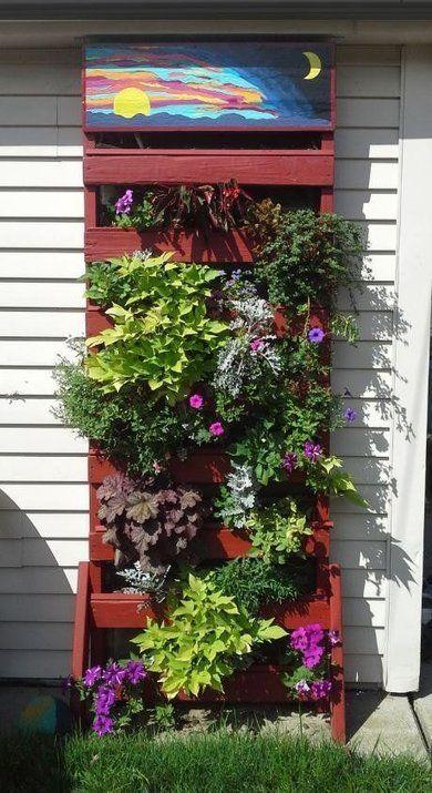 Make A Vertical Pallet Planter Under 30 Dollars | 1001 Pallets ideas ! | Scoop.it