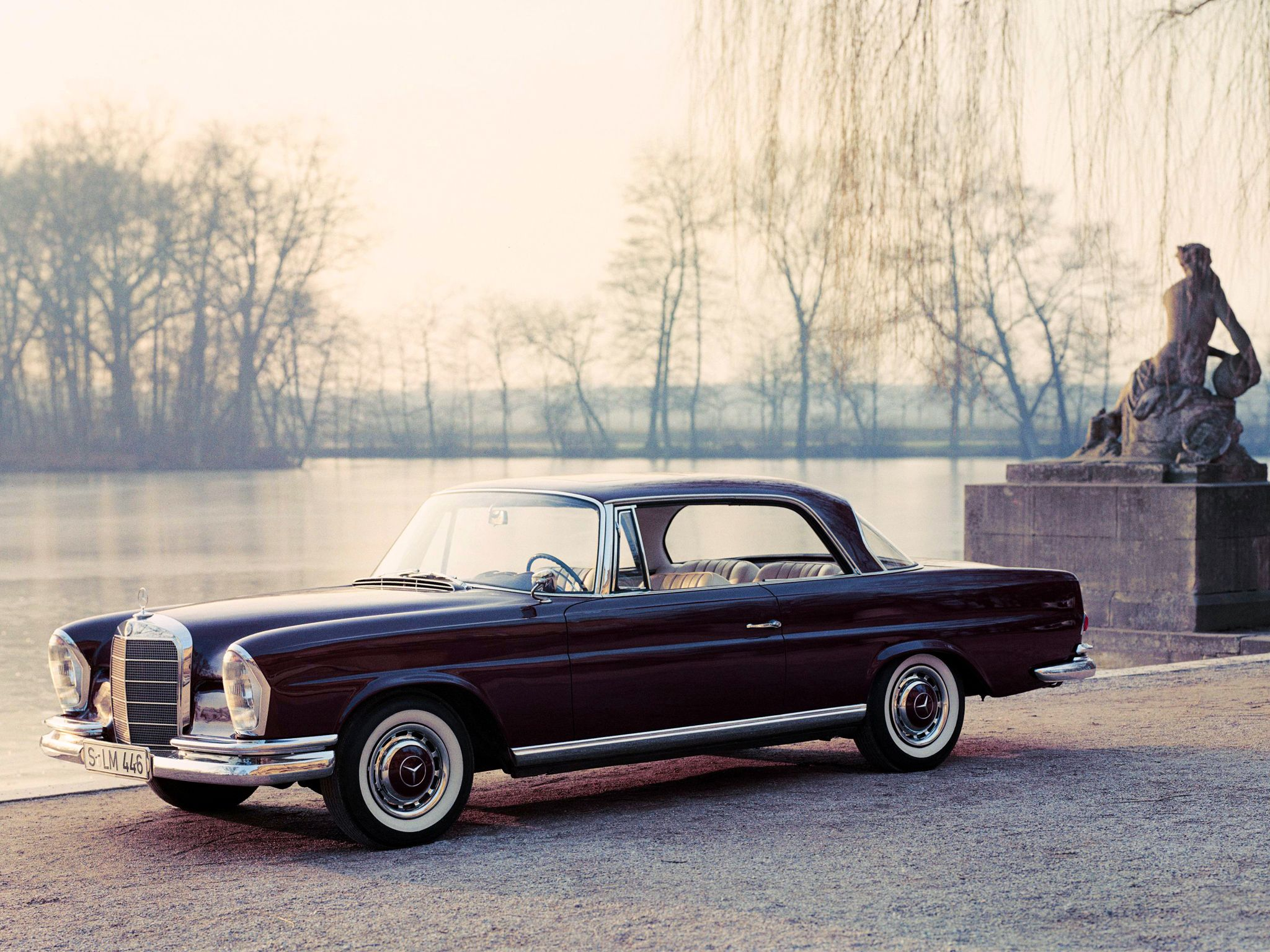mercedes benz 220 se coupe design thinking its about. Black Bedroom Furniture Sets. Home Design Ideas