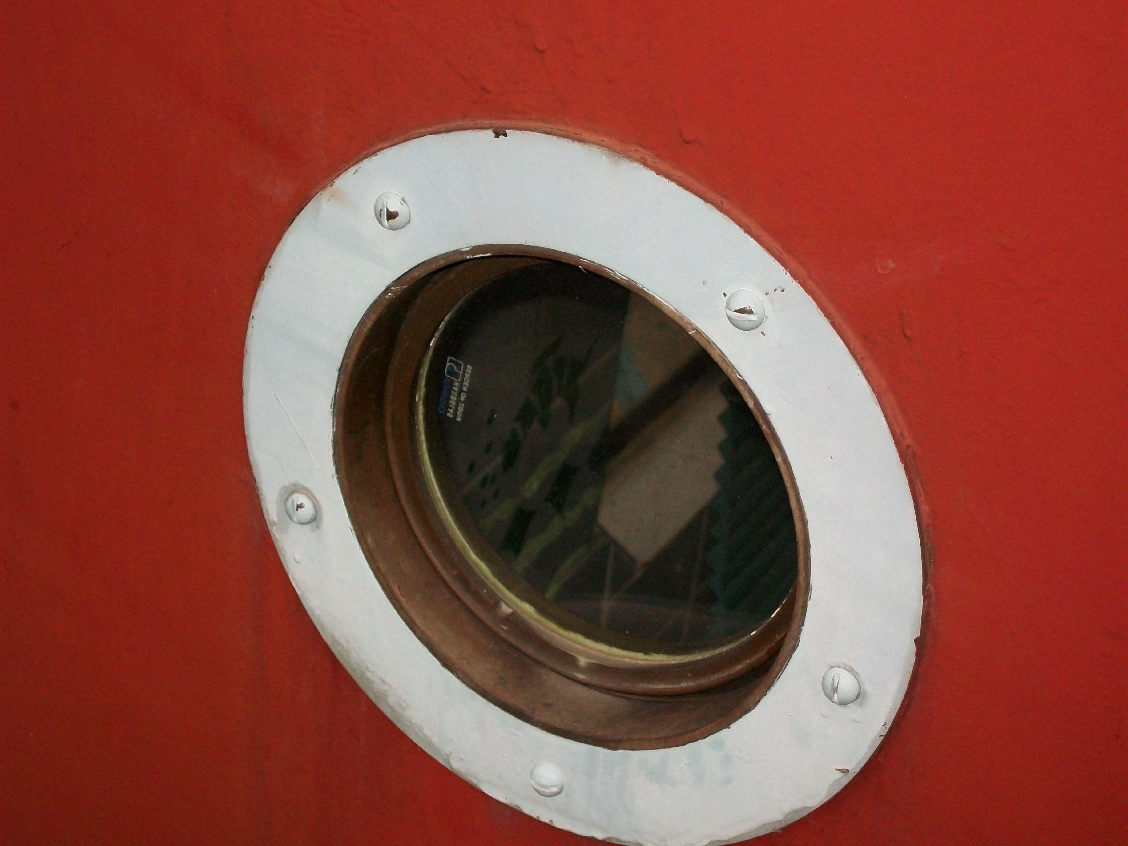 porthole on Inspe