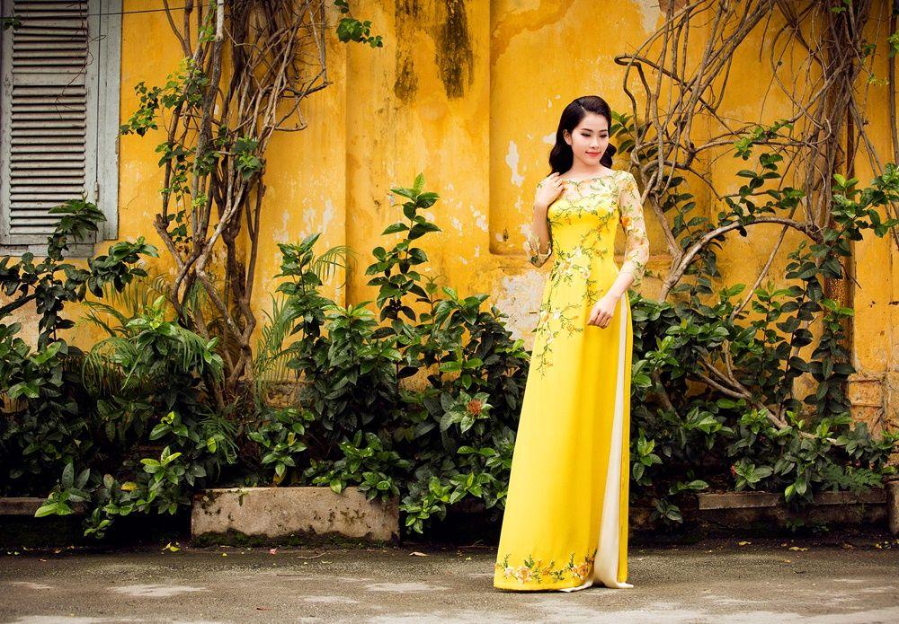 Hoa khôi Nam Em khoe sắc với áo dài - VnExpress Giải trí