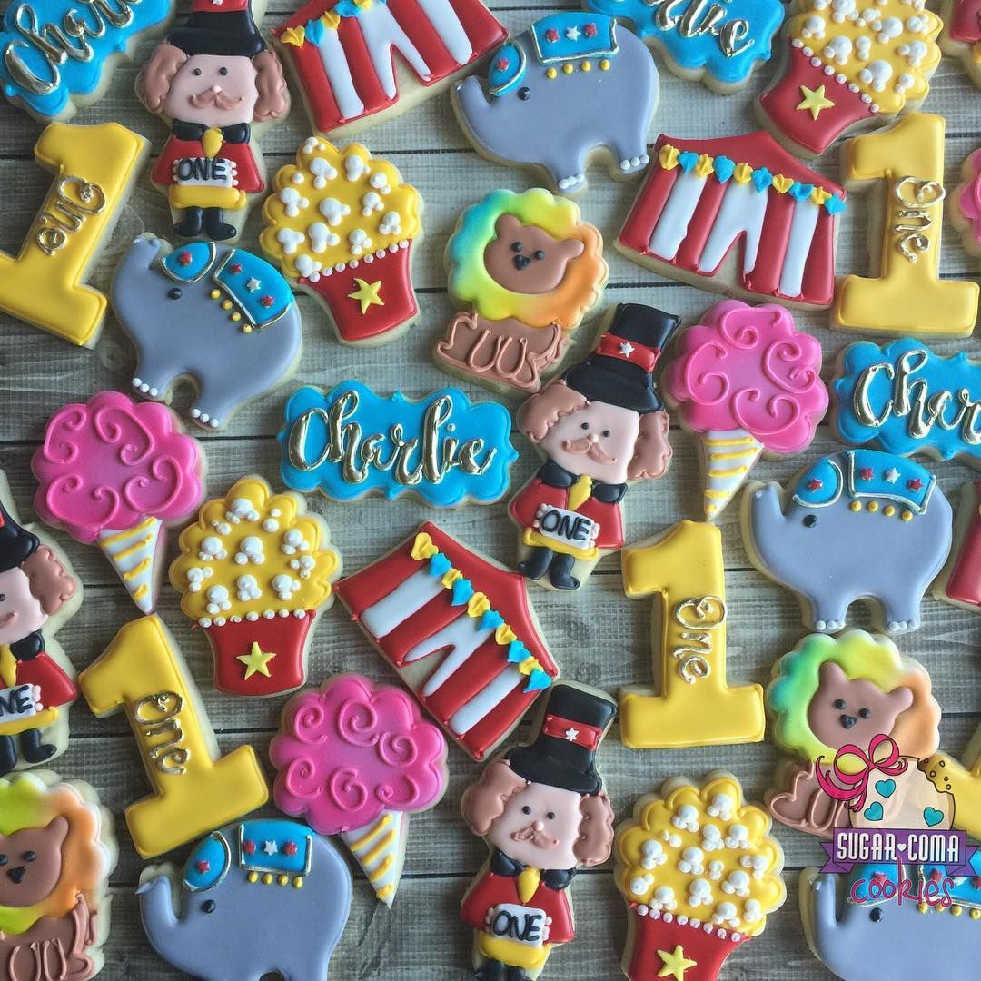 """513 Likes, 14 Comments - Mary Donley (@sugarcomacookies) on Instagram: """"circus first birthday!  #sweets #customsweets #customcookies #sugarcookies #sugarcomacookies…"""""""