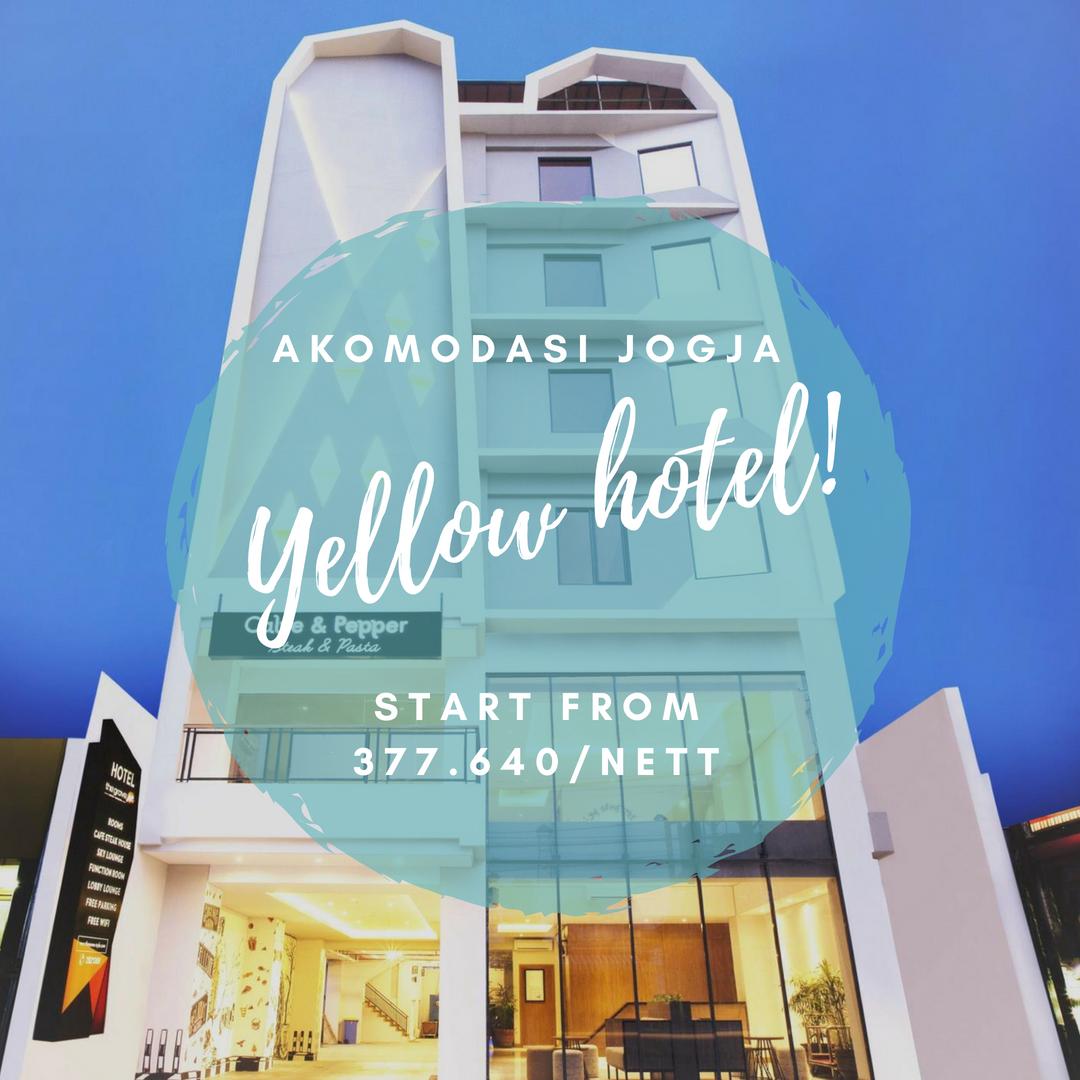 Yellow Star Ambarukmo Hotel Memiliki Teras Di Puncak Gedung Yang Memiliki Pemandangan Kota Dan Menawarkan Kamar Kamar Dengan Desain Luas Sert Gedung Hotel Kota