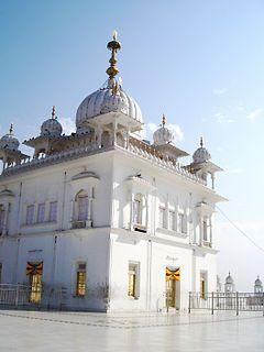 Keshgarh Sahib Gurudwara at Anandpur Sahib, Punjab, the birthplace of Khalsa. |  Sikhpoint.com