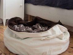 diy anleitung hundekuschelsack n hen via. Black Bedroom Furniture Sets. Home Design Ideas