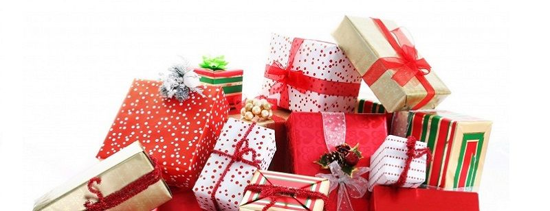 A Simple guide to organizing a Secret Santa gift exchange to bring a bit (or a lot) of holiday cheer to the office and chosing a perfect gift with SecretSanta.Me