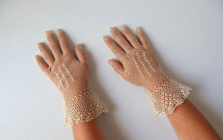 vintage lace gloves | vintage Edwardian Lace Gloves / 1900s Ivory Crocheted. Day wear, worn ...