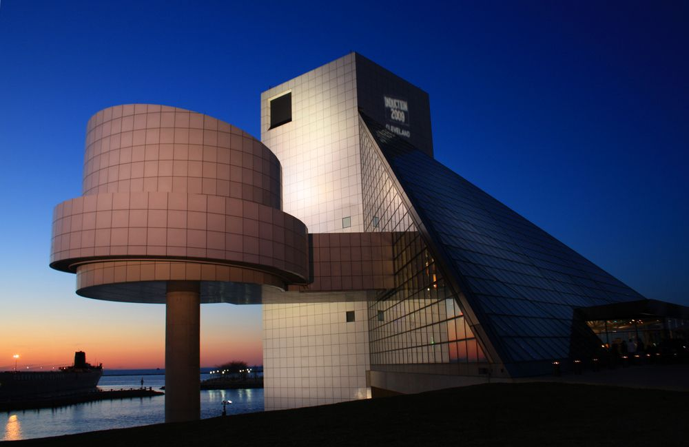 Cleveland ohio rock roll hall of fame and museum