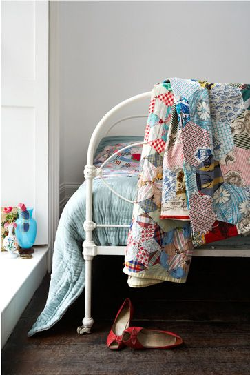 maybe I should paint my bed... and then cover it in awesome vintage quilts. yep. sounds like a plan.