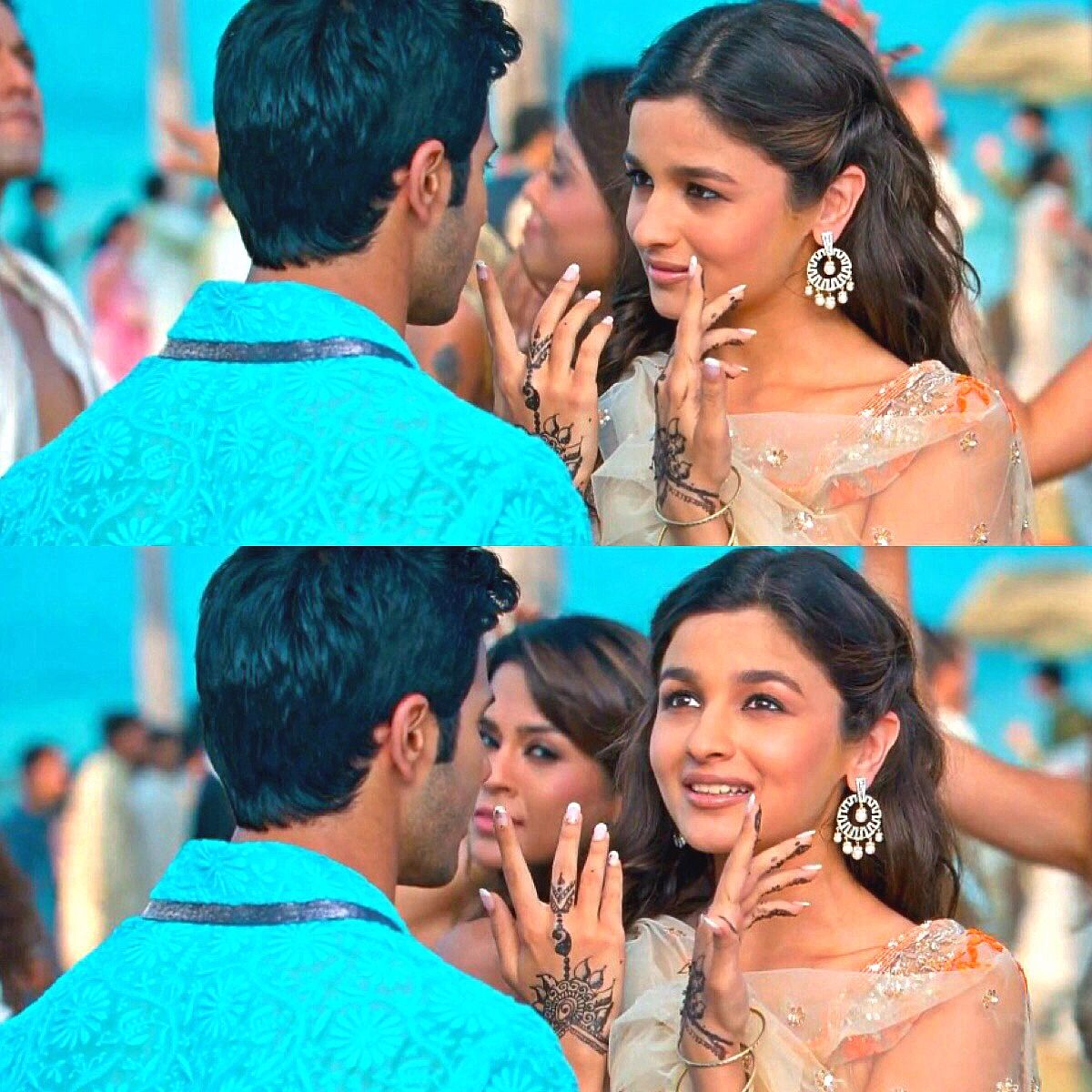 Alia Bhatt in Student Of The Year (With images)   Alia and ...