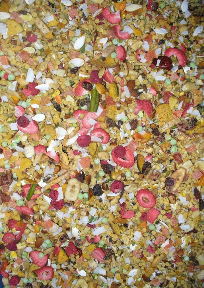 Bountiful Harvest Blend for Small Birds PER LB.  An awesome MyBirdSafeStore custom parrot/bird food blend consisting of human grade dried vegetables, nuts, fruits, herbs and natural pellets - all very pleasing to your bird's taste buds and HEALTHY! Just like the big bird blend, but smaller! Contains over 75 different ingredients. NO PEANUT blend. Recommended for smaller birds from parakeets to conures, caiques and similarly sized birds.