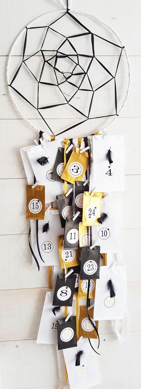 No l calendrier de l 39 avent attrape r ve mont pr t d corer et remplir noir or et blanc - Maison pret a decorer ...