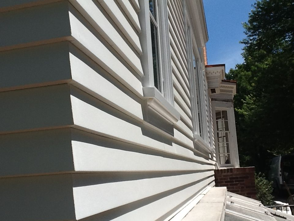 James Hardie Artic White Artisan Siding With Mitered