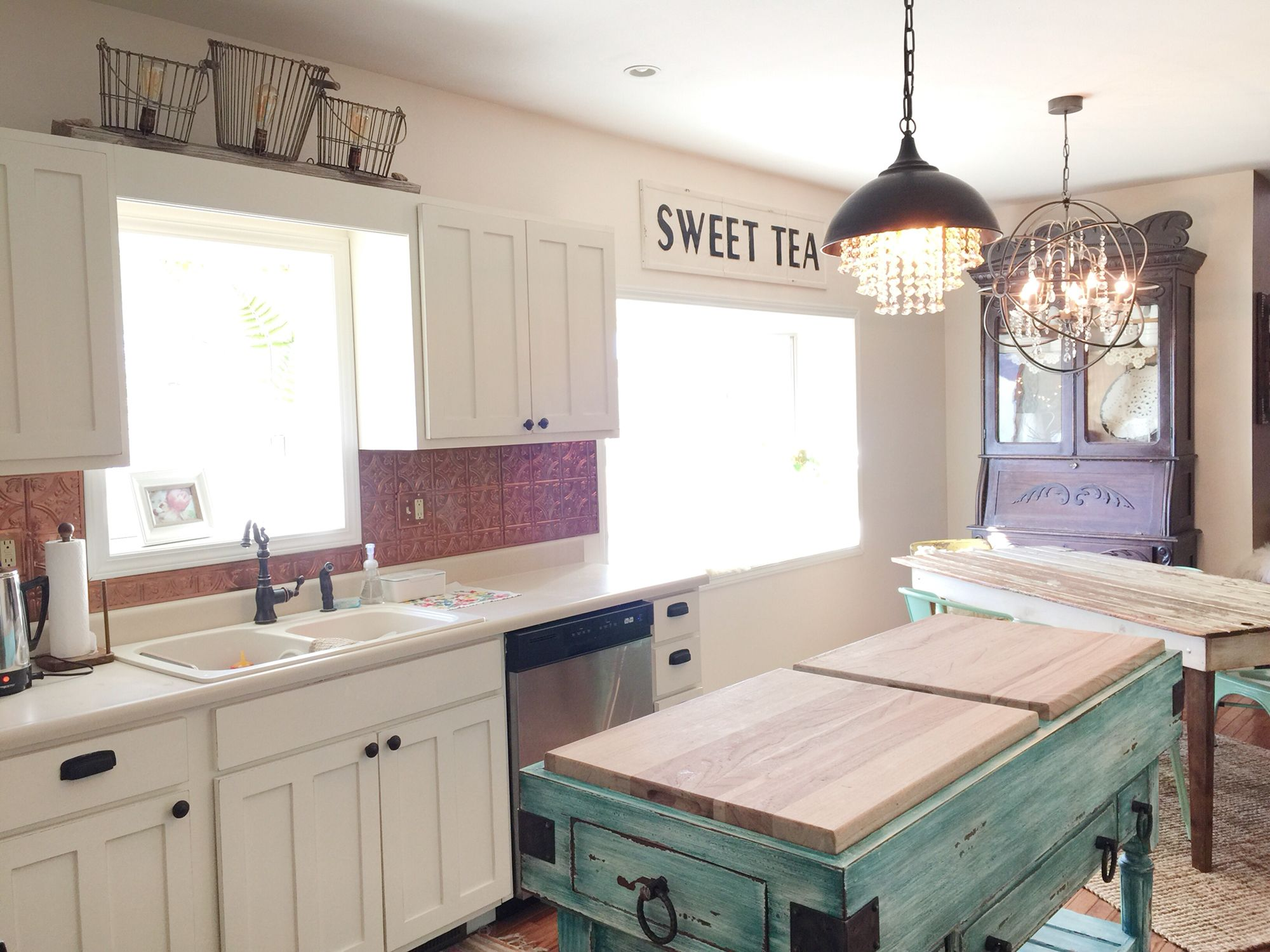 Annie Sloan chalk paint kitchen cabinet makeover. Old white and pure ...