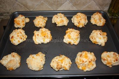 Jenna's Journey: Garlic Cheddar Biscuits