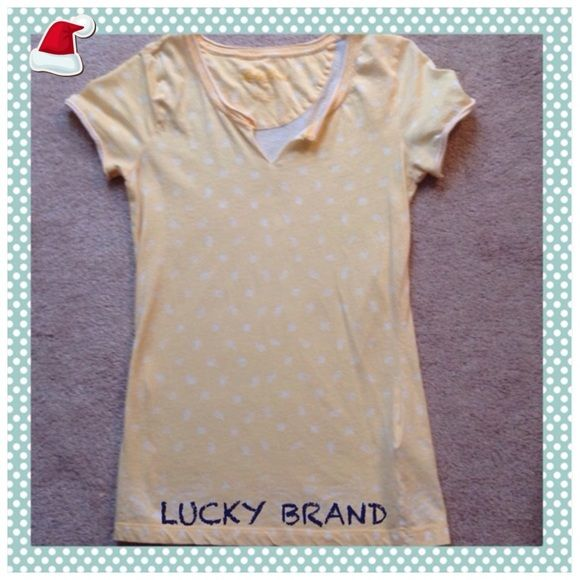 #178  ☀️☀️LUCKY BRAND YELLOW AND WHITE HENLEY TOP Very nice yellow and white Henley top.  Cotton.  Great price!! Lucky Brand Tops