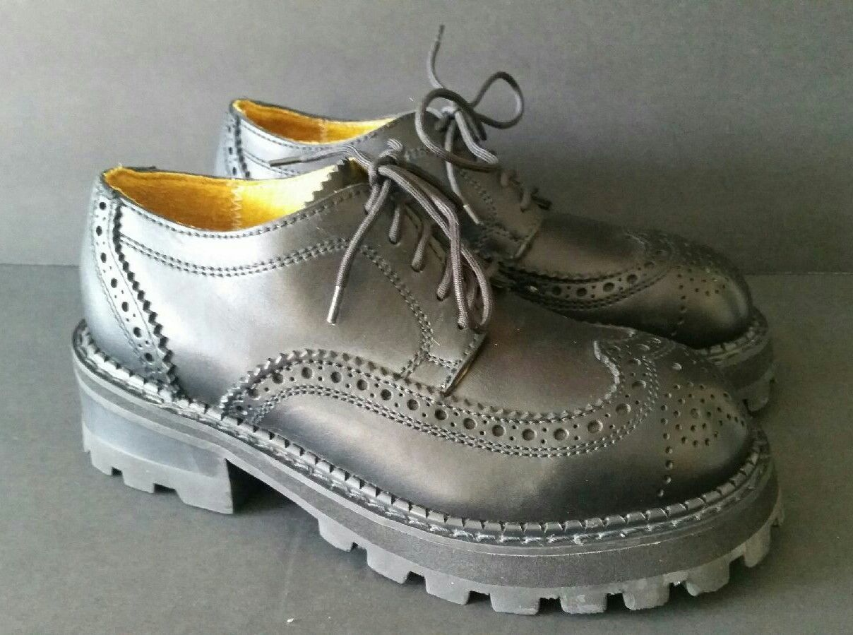 8a37a8929e Style - Wingtip/Brogue Oxford. Stiff leather, may require shoe horn until  broken in. Material - Leather. Color - Black. Size - US 7 W. Eyelet - 5. |  eBay!