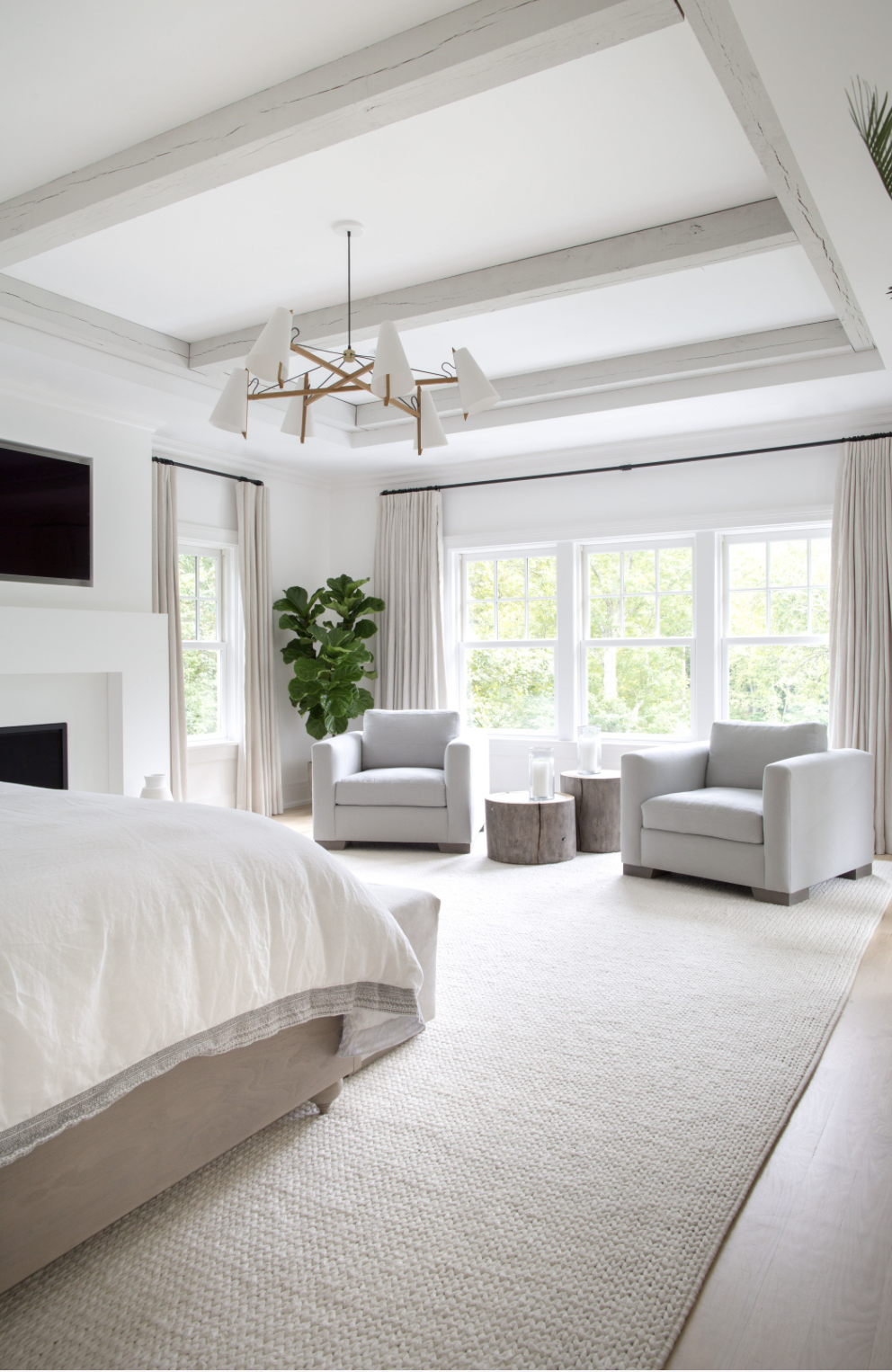Fine Large Master Bedroom With Extra Large Area Rug Brass Caraccident5 Cool Chair Designs And Ideas Caraccident5Info