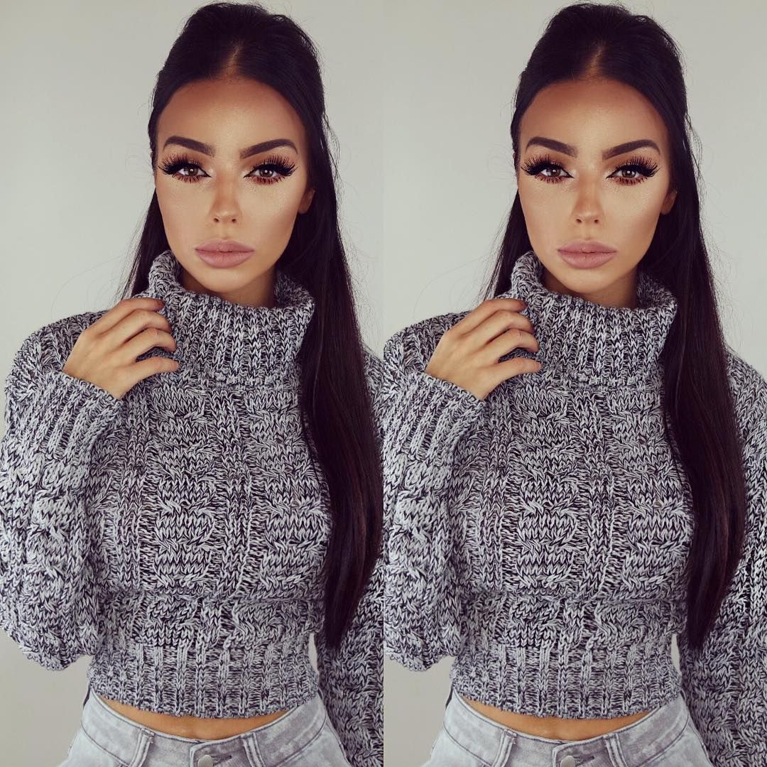 Grey knitted crop jumper with high waisted jeans