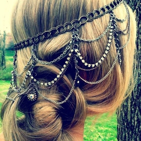 boho hippie style. For some reason my dad really likes these chain body jewelry. That's a plus! :)
