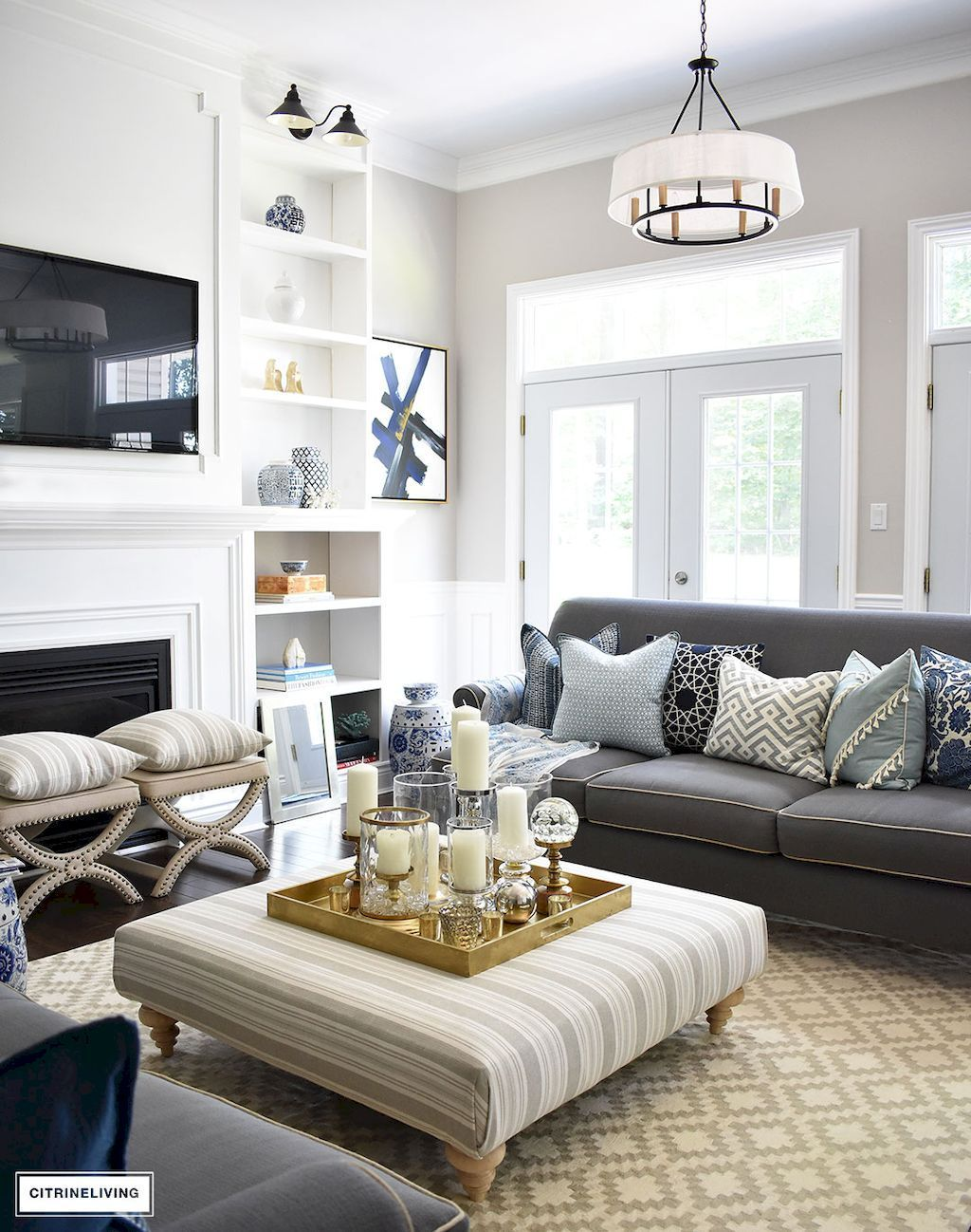 Rustic Farmhouse Living Room Design And Decoration Ideas 36 Ottoman In Living Room Rustic Farmhouse Living Room Ottoman Coffee Table Decor [ 1298 x 1024 Pixel ]