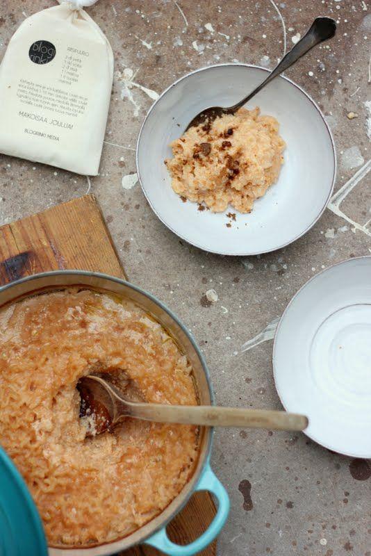 Riisipuuro kuuluu monen aattoaamuun. Yön yli muhinut uunipuuro on tähän aikaan vuodesta tämän blogin yksi haetuimmista ohjeista. Tässä uu...