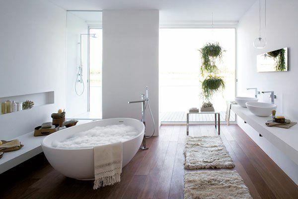 freistehende badewanne blickfang und luxus im badezimmer bathroom pinterest freistehende. Black Bedroom Furniture Sets. Home Design Ideas