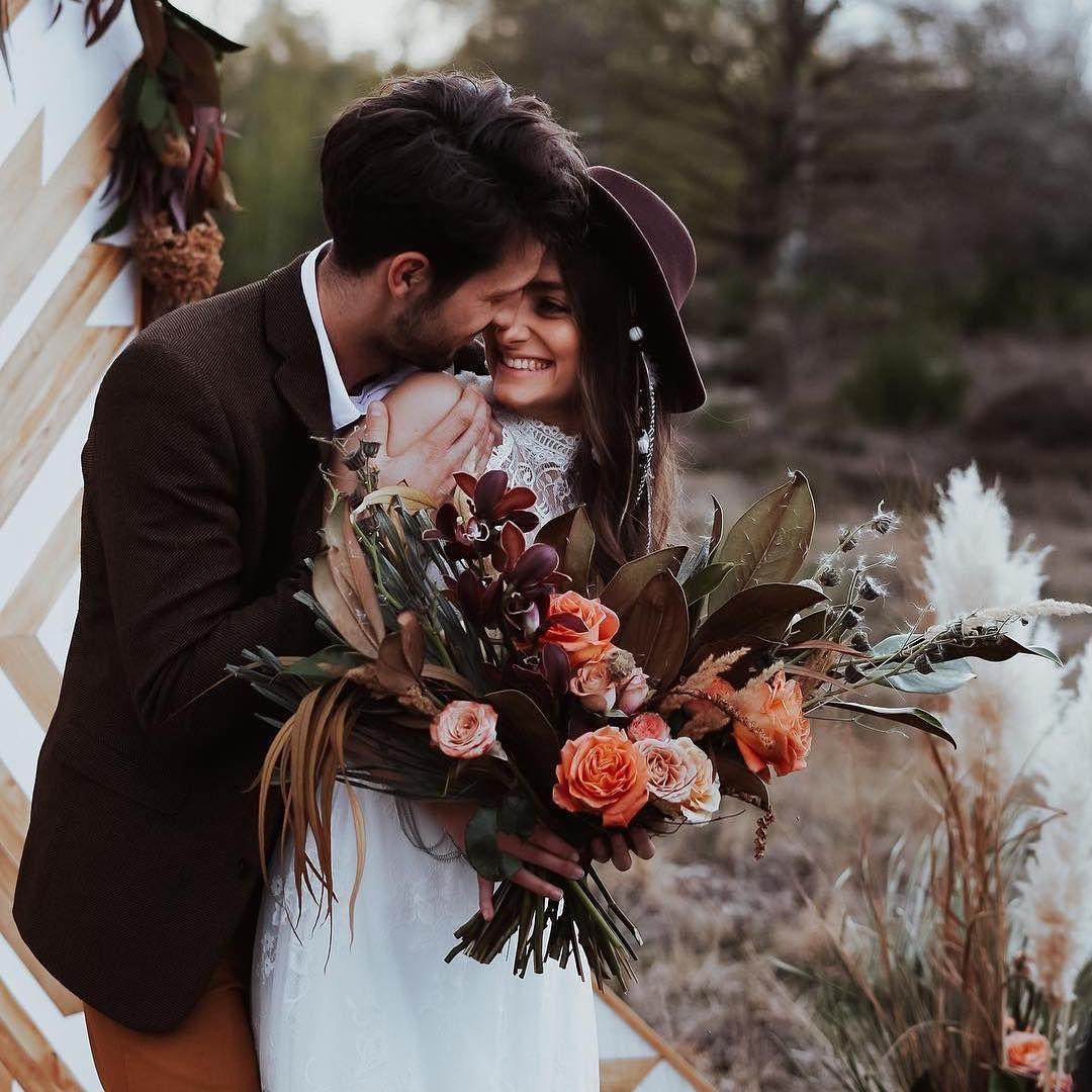 Ihr Lieben Wir Wunschen Euch Ganz Schone Feiertage Und Ein Frohes Osterfest Osterliche Grusse Vom Ganzen Runo Blumen Team Fur Euc In 2020 Couple Photos Scenes Photo