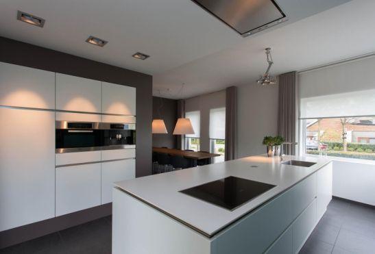 Godard Beerdreef 1   Geniet in deze moderne greeploze keuken met kookeiland   Kokkerellen