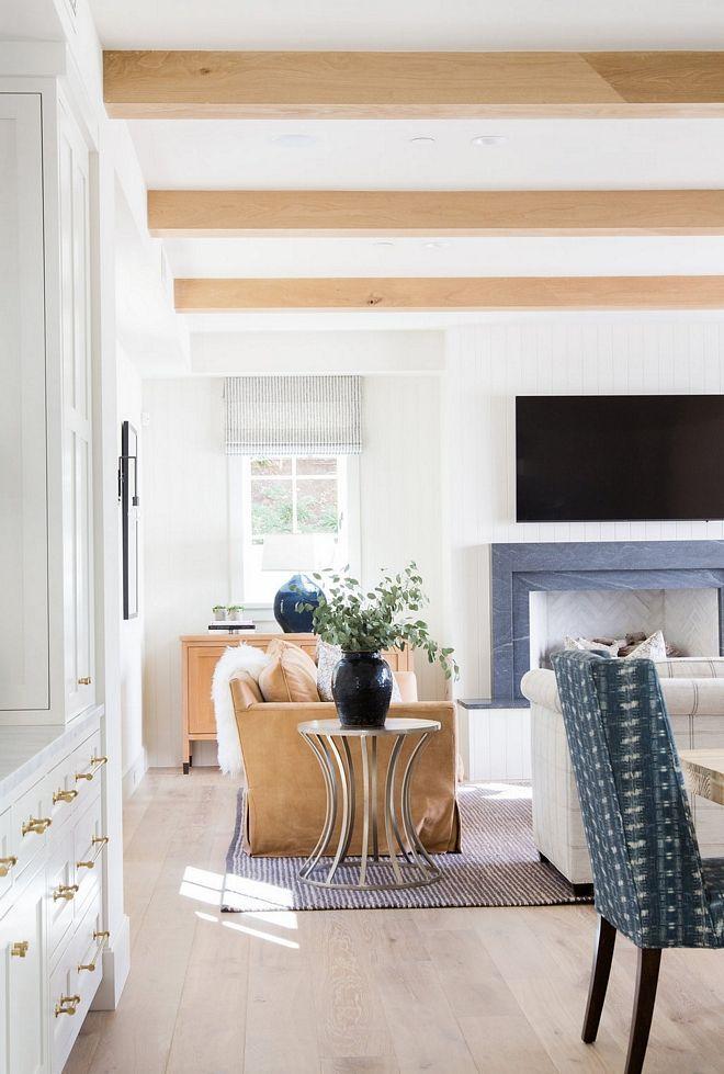 Elegant Home That Abounds With Beach House Decor Ideas: Interior Design Ideas: California Beach House #oakhardwoodflooring