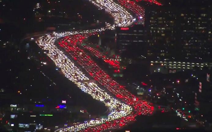 World S Worst Traffic Jam Cars Stuck In Thanksgiving Getaway Gridlock Thanksgiving Travel 405 Freeway Los Angeles