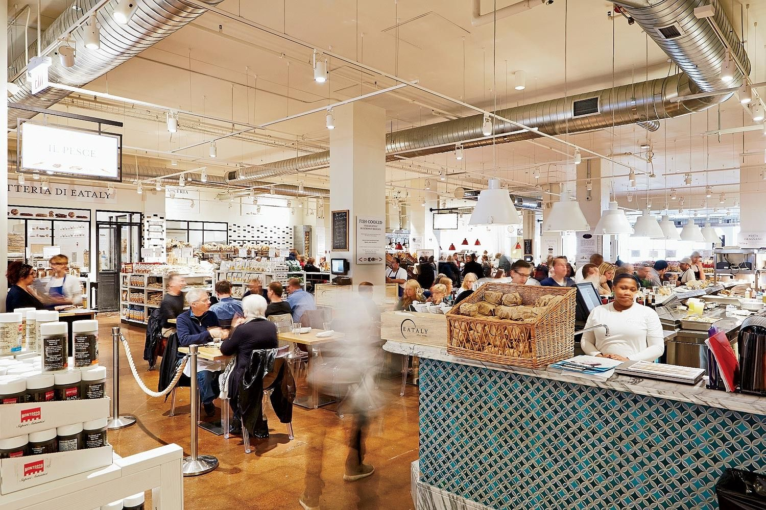 Eataly Chicago Il Italian Market Streeterville Downtown Eataly Choose Chicago Chicago Magazine
