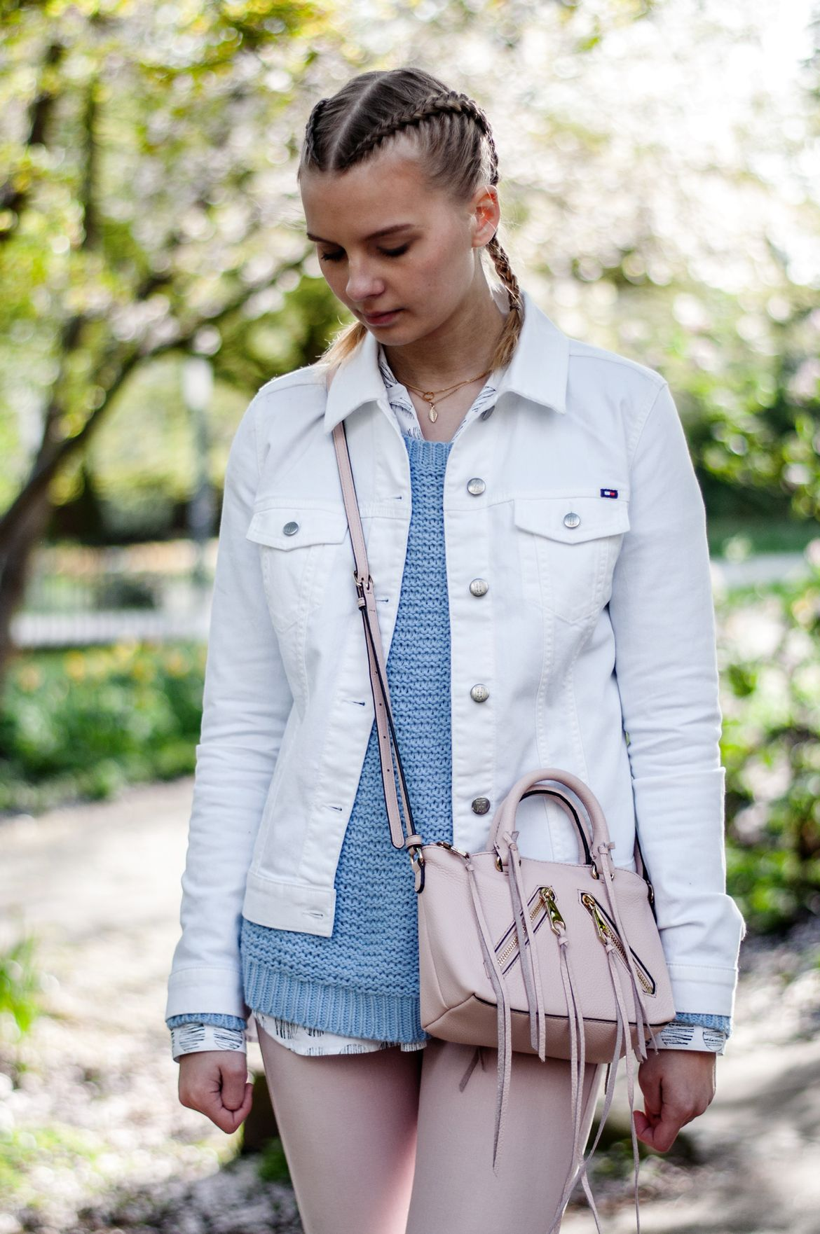 Pastell Outfit, white Denim jacket, Rebecca Minkoff bag pink ...