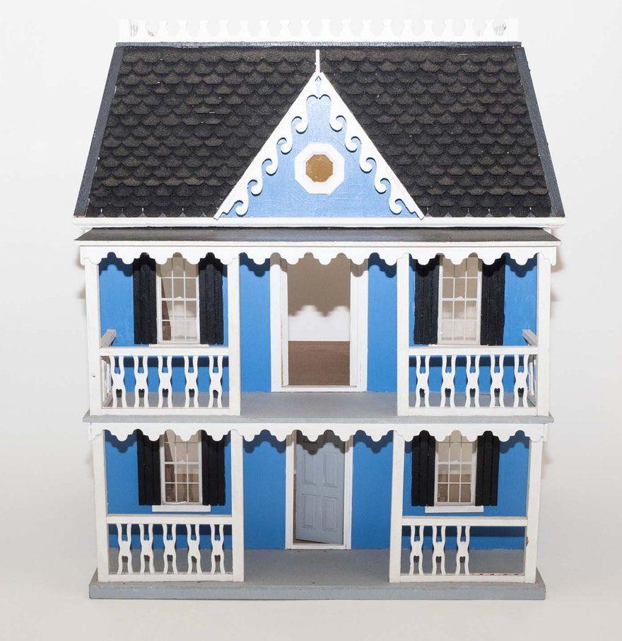 Wooden Victorian-Style Dollhouse : EBTH