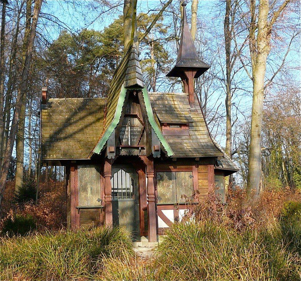 Hexenhaus witch pinterest hexenhaus zimmergestaltung und miniatur - Hexen gartenhaus ...