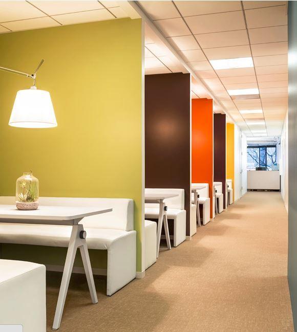 farbgestaltung in aufenthaltsr umen b rokonzepte mit. Black Bedroom Furniture Sets. Home Design Ideas