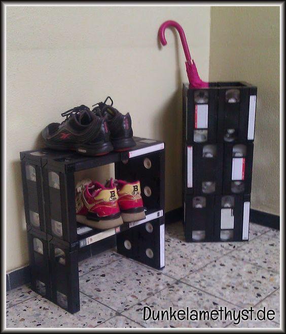 ecco come riciclare le vecchie cassette vhs che non funzionano pi upcycling upcycle and crafty. Black Bedroom Furniture Sets. Home Design Ideas