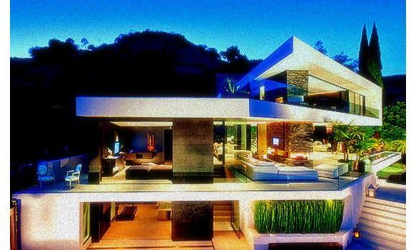 Fachadas de casas de lujo fachadas modernas casas lujosas for Mansiones modernas