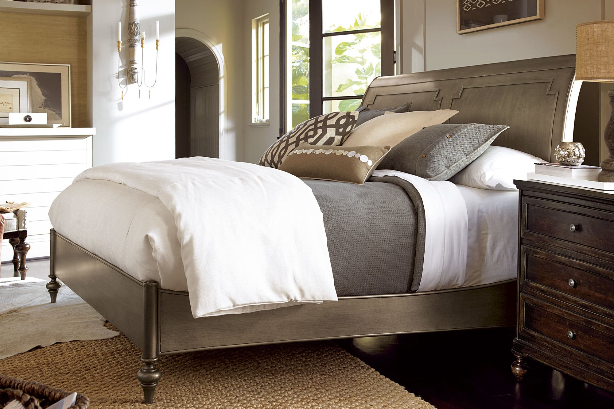 Universal Furniture Proximity Urban Sleigh Bed & Reviews